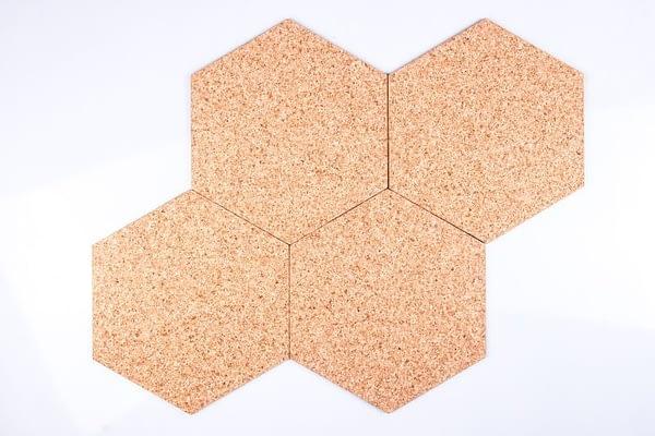 Zelfklevende zeshoekige bordjes natural