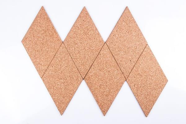 Zelfklevende diamantvormige kurktegels naturel